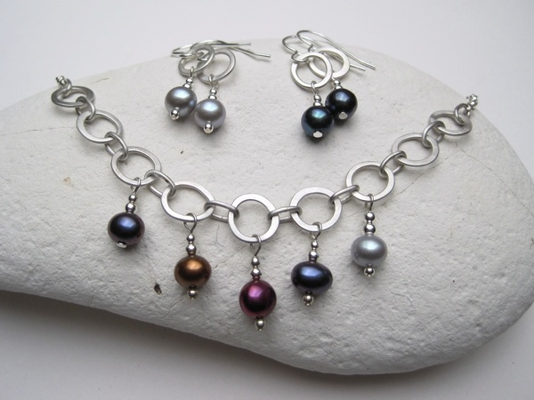 Silver Hammered Wire and Freshwater Pearl Necklace and Earrings
